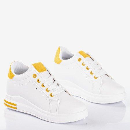 Белые спортивные кроссовки на танкетке с желтыми вставками Sliomenea - Обувь
