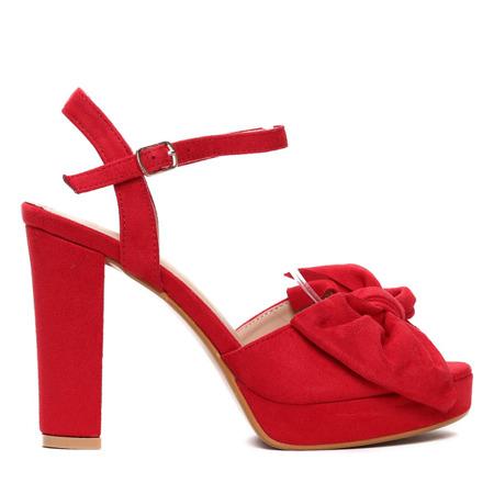 Czerwone sandały na słupku- Obuwie