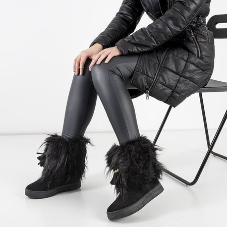 OUTLET Женские черные зимние сапоги с украшениями верхом - Обувь