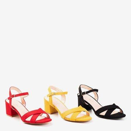 Босоніжки на низькому каблуці Червоного Джоніла - Взуття