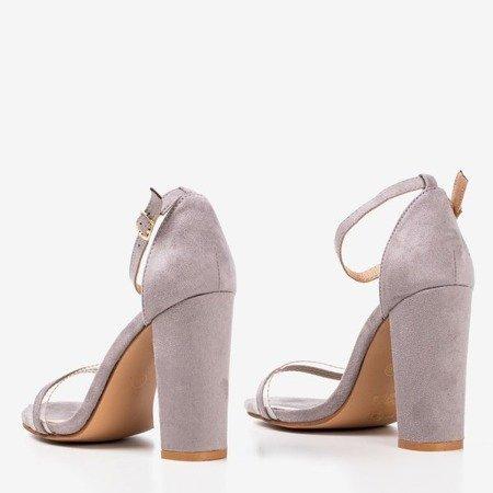 Босоніжки світло-сірого кольору на верхній посаді з прозорою вставкою Caresie - Взуття 1