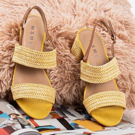 Жовті босоніжки на низькому пості Riot - Взуття 1
