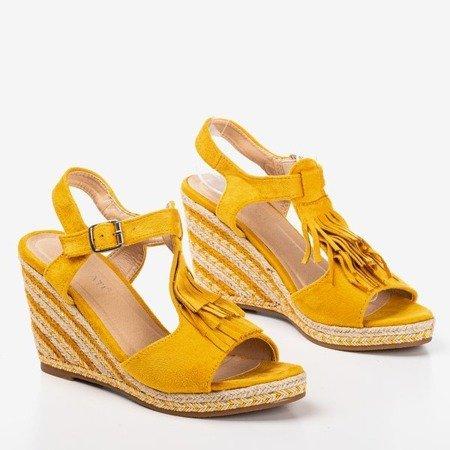 Жовті жіночі босоніжки з китицями Одіна - Взуття 1
