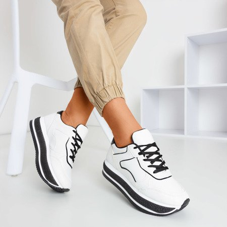 Жіноче спортивне взуття на товстій платформі з чорними вставками Savss - Взуття 1