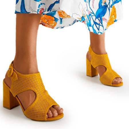 Жіночі гірчичні ажурні босоніжки на пості Cytuss- Взуття