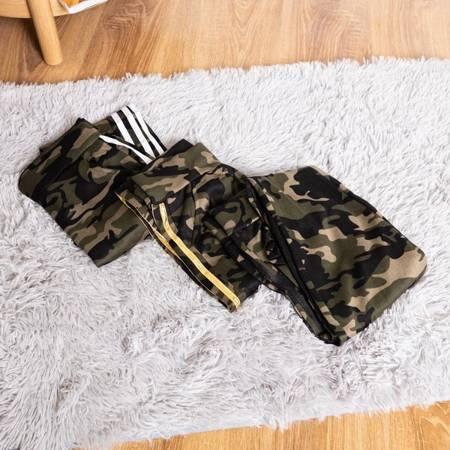 Жіночі камуфляжні трегі з чорними смужками - Одяг