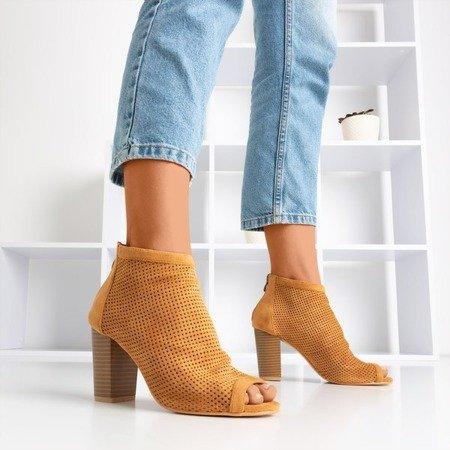 Коричневі жіночі черевики на вищій посаді з вирізом Iltensa - Взуття 1
