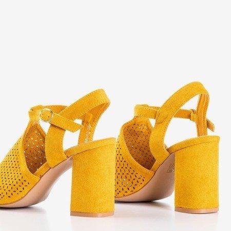 Сандалі з гірчиці на високому каблуці Kimonse - Взуття 1