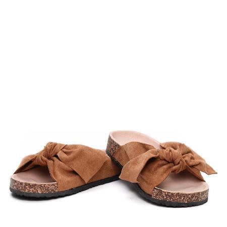 Brązowe klapki- Obuwie